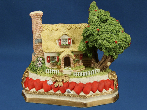 David Winter Cottage Collection Sweetheart Haven Premier