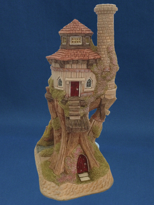 David Winter Cottage Collection - The Tree House